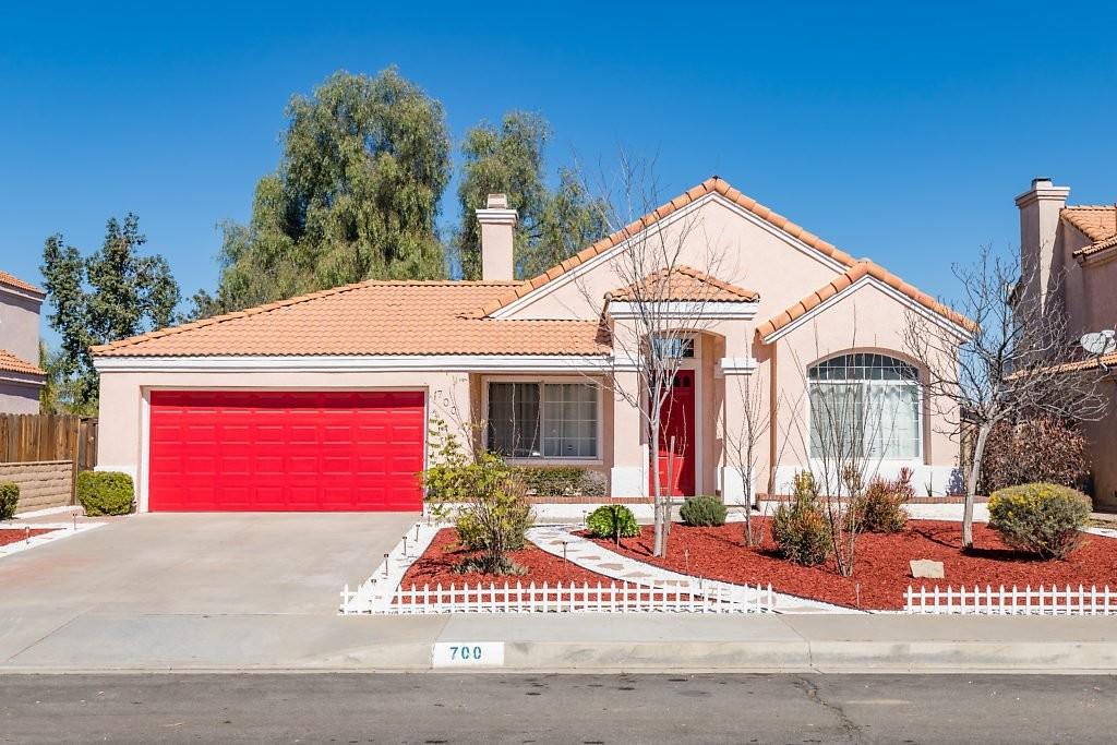 700 Periwinkle Lane Perris, CA 92571